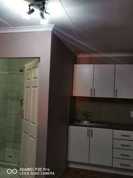 Bachelor to rent Secunda R3800