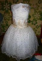 Нарядное красивое платье на зимний утренник. Платье белое снежинка.
