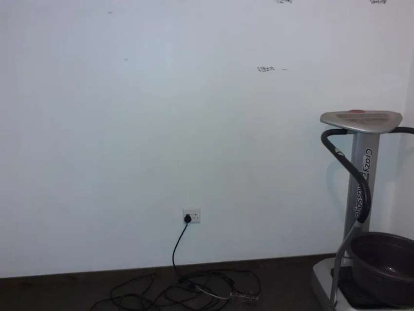 Big room clean, at christiaan de wet street ext 10, wi-fi available