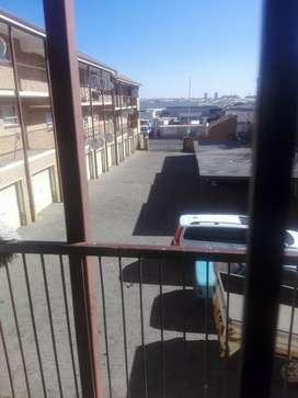 Flat to rent in kempton park cdb