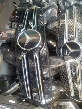 Mercedes Benz w 207 front grill