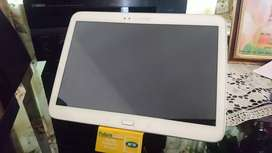 ORIGINAL SAMSUNG TABLET IN IMMACULATE CONDITION