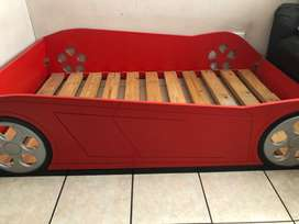 Red car sleigh bed
