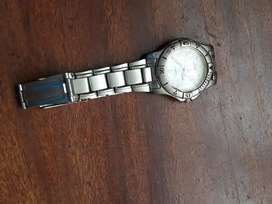Earrings and watch great condition just need arrinEa new battery