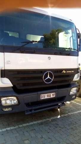 Mercedes Benz 3331 Actros Tipper Truck for sale