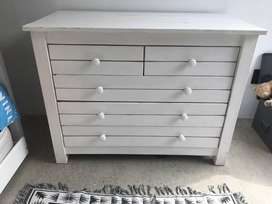 FOR SALE: Wooden  chest of drawers.