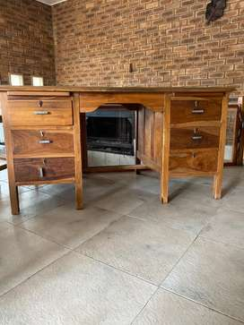 Beautiful solid Kiaat desk with 6 drawers for sale