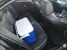 Selling a BMW 523i automatic sunroof good conditions