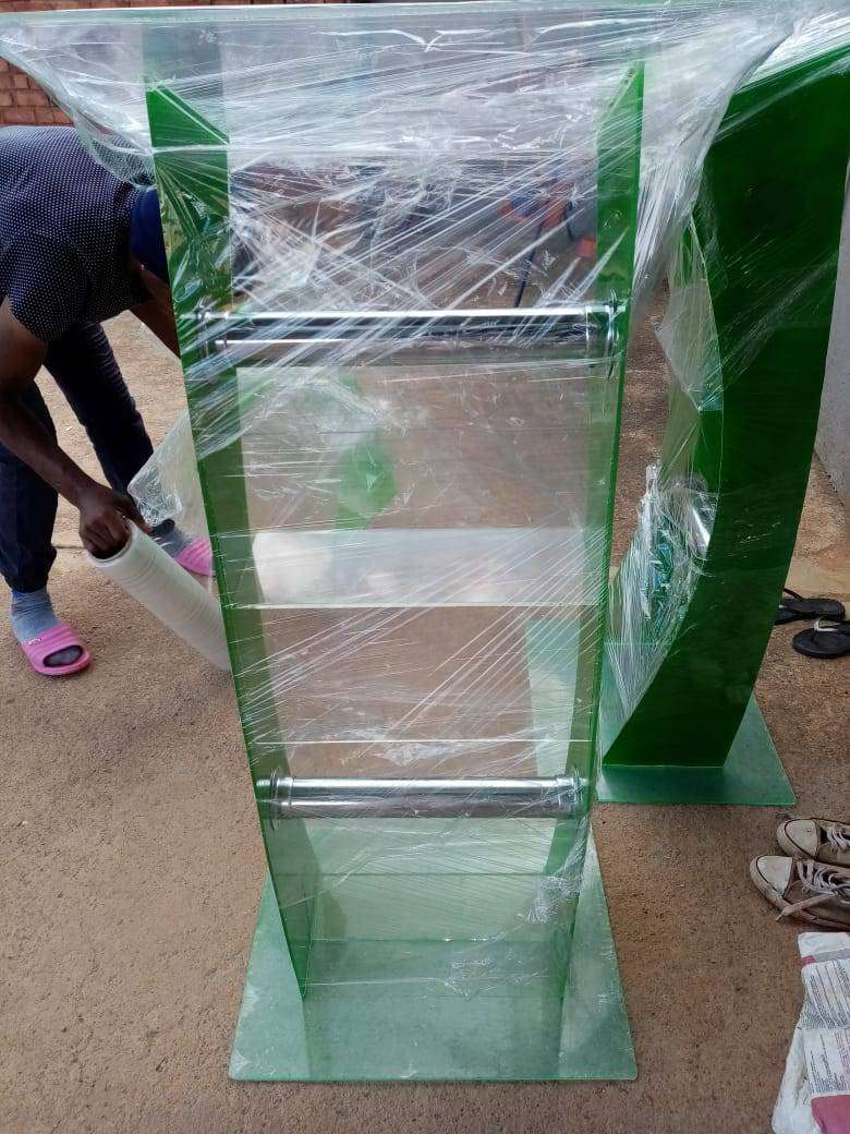 The new green colored C shape pulpit 0