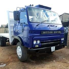 Nissan Truck for hire 7.5 tonnes