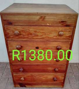 5 Draw Pine Chest of Draws for Sale in Port Edwardard
