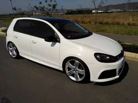 GOLF 6 1.4tsi fitted with R kit