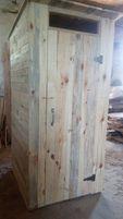 Деревянный туалет.