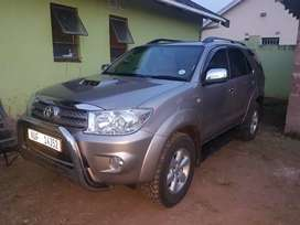 4x4 family SUV with rear entrtainment and airconditioning