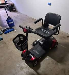 Mobility Shopper / Scooter - GoGo Scooter - Electric Wheelchair