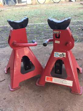 3 ton jack stands x2