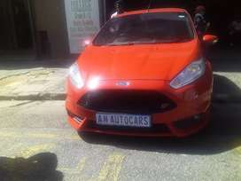 Ford Focus st 2.0 R 137 000/Finance available