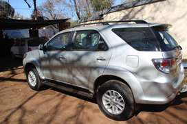 2014 Silver Toyota Fortuner in immaculate condition. 2.5D - 4D RB.