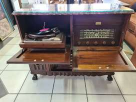 Old Radio Cabinet Imb ball and claw