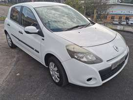 2012 Renault Clio yahoo 1.6i for sale!!