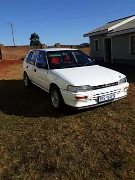Selling 5 Speed Toyota Conquest 1999 model