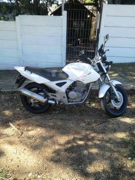 Hi I'm renting out my motorbike for R600/week