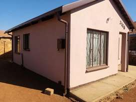 2 Bed Room house in Mahube Valley