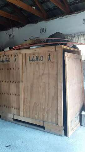 Shipping box (wooden crate)