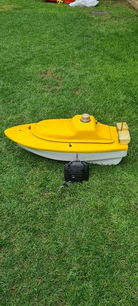 Bait boat. Working 100%. R 2500.