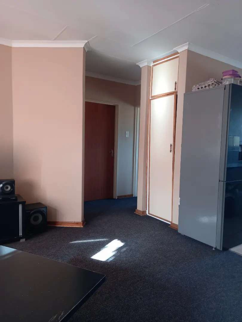 Flats to share. Walkable to highveld medi-clinic (hydromed) R2750pp