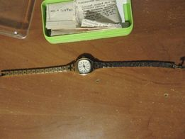 Часы Чайка позолоченные кварцевые в коробочке с паспортом позолота