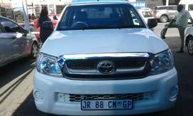 TOYOTA HILUX 2.7 VVTi WITH CANOPY