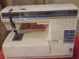 Husgvarna Embroidery and sewing machine300
