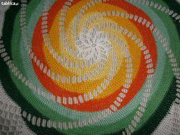 Komplet nowych ręcznie robionych serwetek 1 plus 6 w kolorze