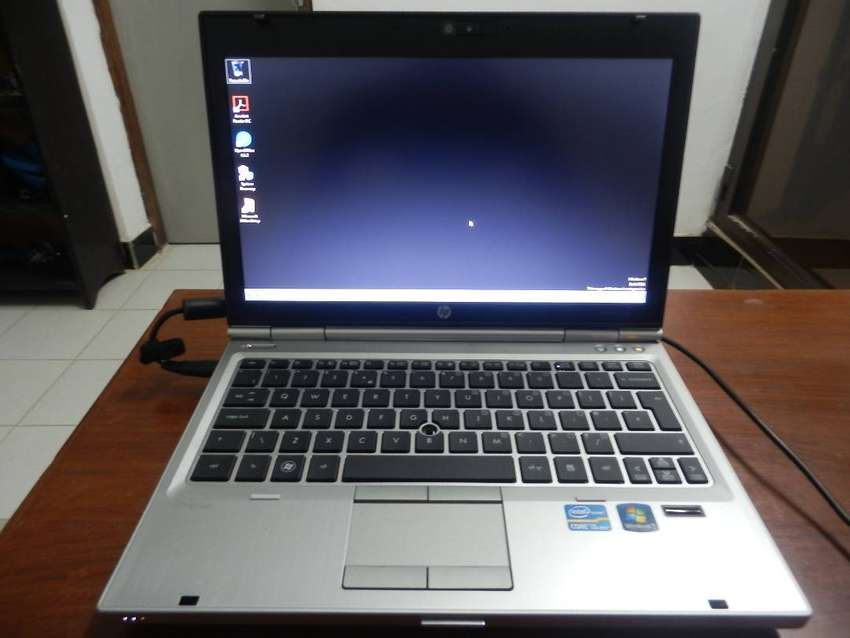 HP EliteBook 2560p Core i5 2520M 2.50GHz, 4GB RAM 320GB HDD Win 7 OS 0