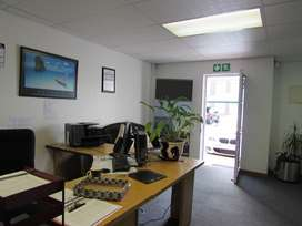 200m2 Office To Let in Milnerton