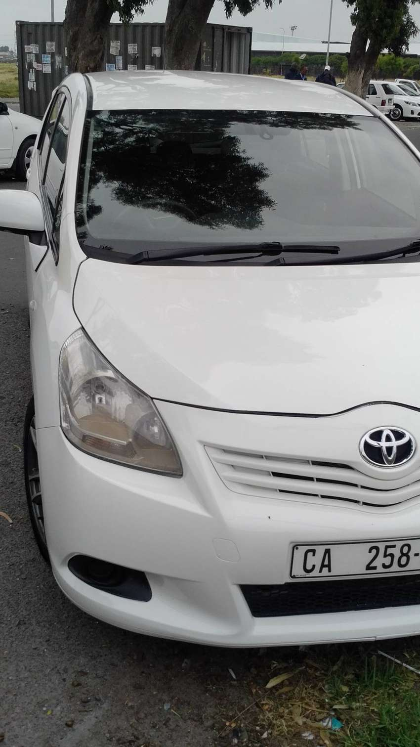 I m seling my car 2011 Toyota Corolla Verso 160 with ONLY 118236kms 0