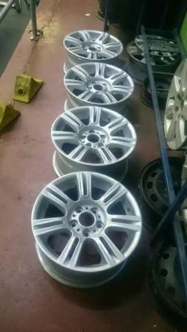 Set of 17inch BMW OEM mags