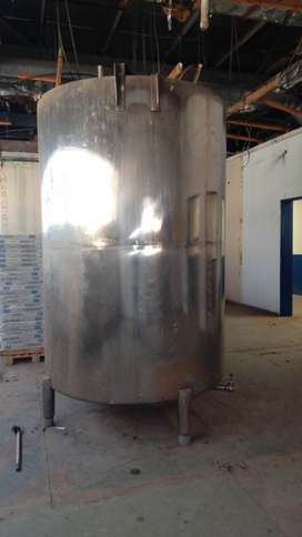 Stainless steel 6000L water tank.