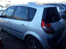 Renault Scenic 2.2L - Stripping for Spares