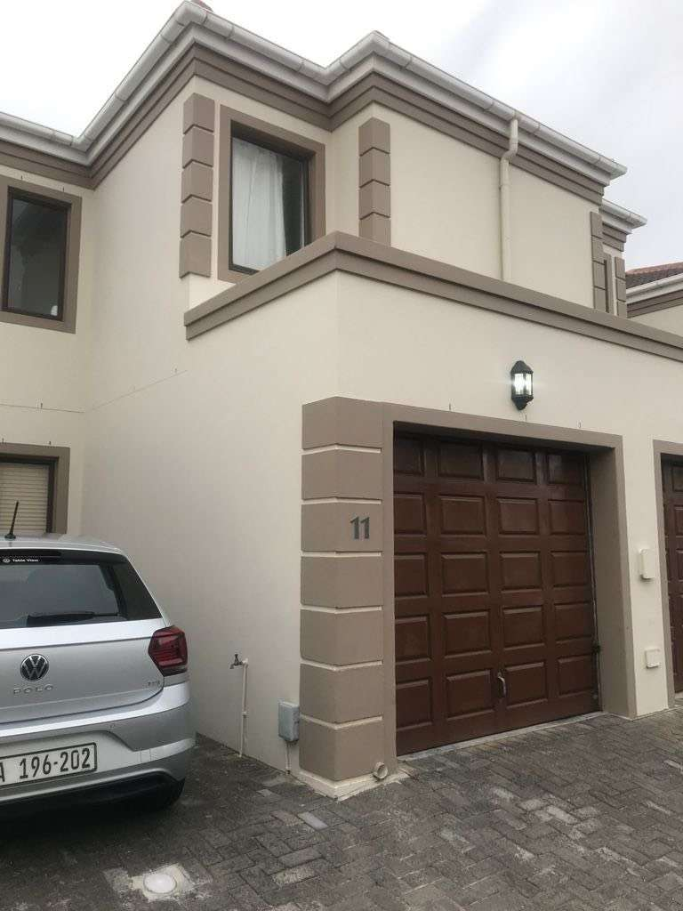 Townhouse available for rental