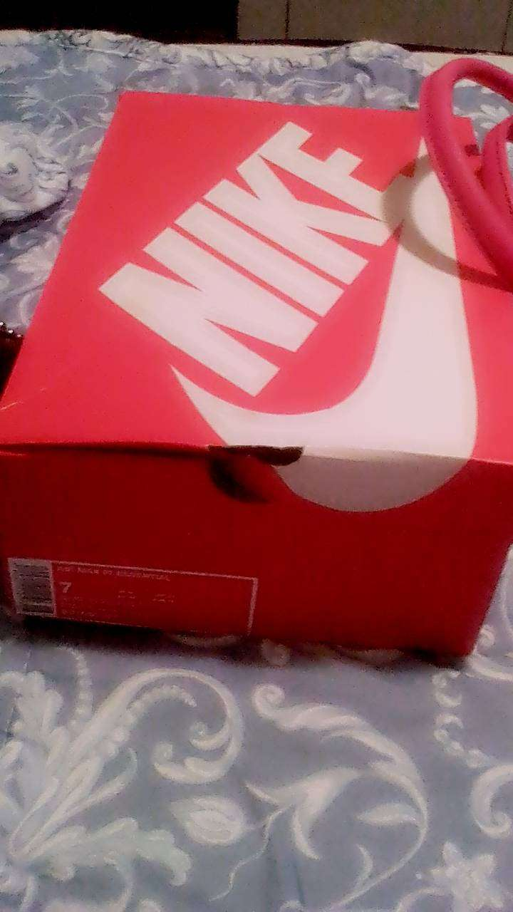 Air Max 97 essential size 6 and polo hand bag for ladies 0