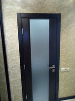 Установка межкомнатных дверей, установка плинтуса.