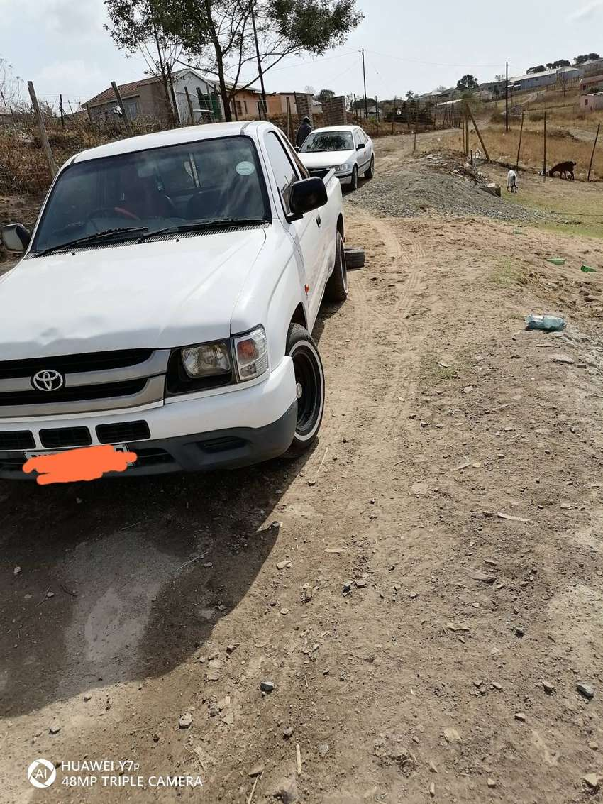 Im selling my R1z toyota van with original engine. mags, roller bara 0