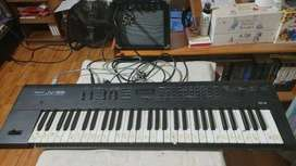 Roland Keyboard with Amplifier Excellent Condition