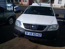 2014 Nissan Bakkie 1.6 NP200 with a Canopy