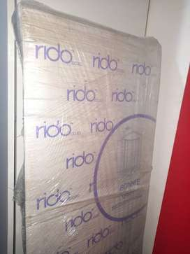 Brand new Bonnie aluminium shower door G901