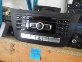 mercedes-benz w204 facelift radio available