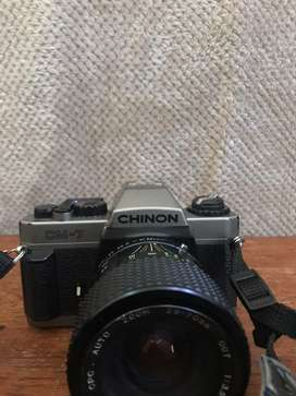 Chinon CM-7 35mm SLR camera with Lens