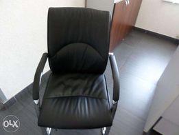 Перетяжка и ремонт офисных кресел, стульев, диванов